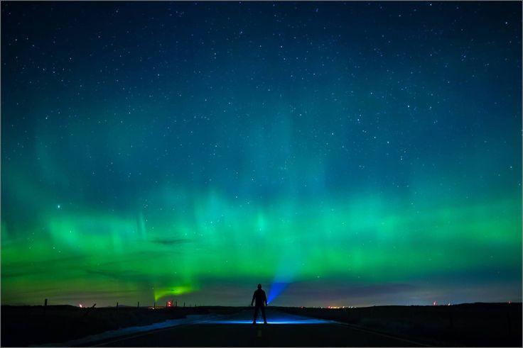 A red alert fromthe Aurora Watch websitelate on the 27th prompted me to head north in search of the Northern Lights. I traveled around for a while on either side of midnight – the sky was …