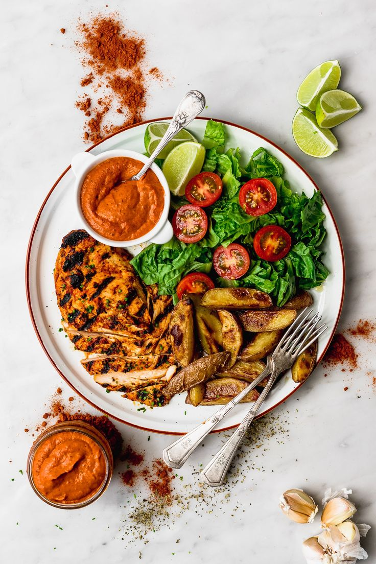 Peri-Peri sauce is one of my favourite but I felt limited because I don't have access to African chillies! So here's my version with Peruvian chillies. Peri Peri Sauce, Peri Peri Chicken, Dried Chillies, Peruvian Recipes, Best Chicken Recipes, Light Recipes, Quick Easy Meals, Entrees, Breakfast
