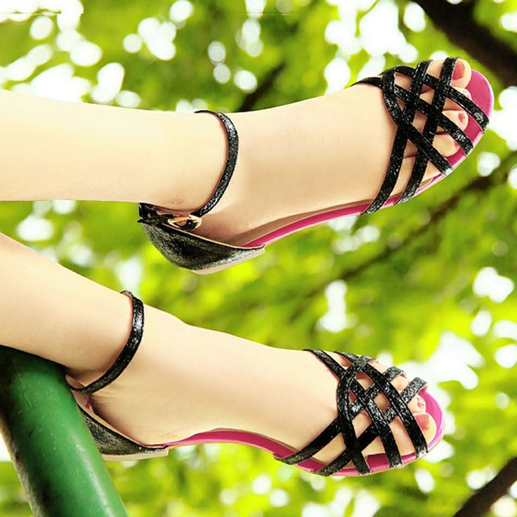 2014 women's PU Ankle Strap Staggered open-toed flat sandals Fashion woman  shoes Ladies Gladiator