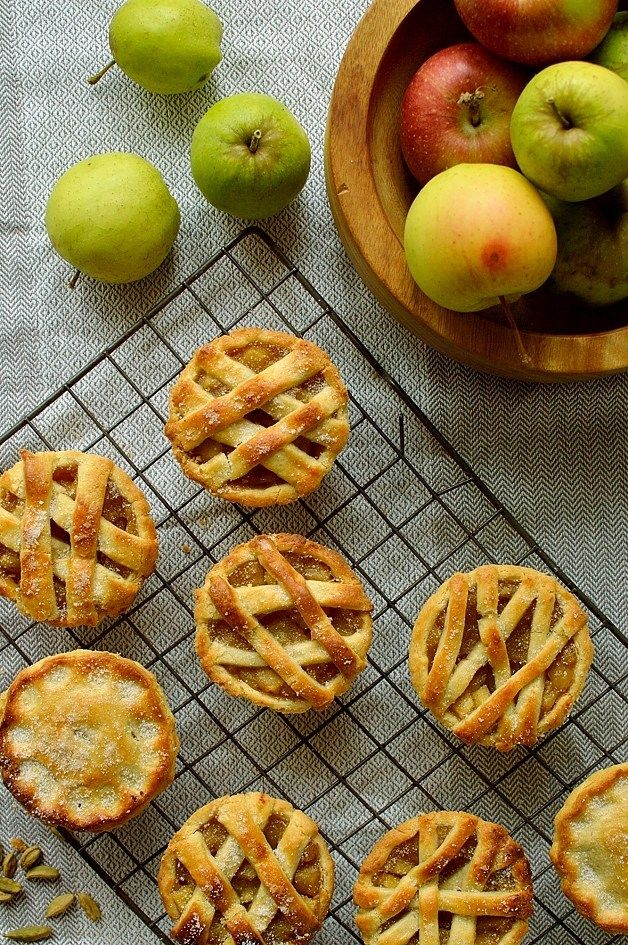Gorgeous Mini Cardamom Apple Pies from Hannah Hossack-Lodge http://domesticgothess.com/blog/2016/11/22/mini-cardamom-apple-pies/