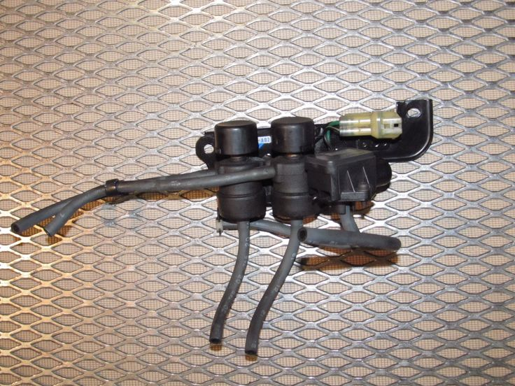 92 93 Acura Integra OEM Engine Map Sensor & Selenoid