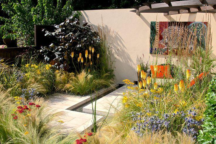 RHS Hampton Court Palace Flower Show  17 - 27 June planting  30 June - 5 July Show