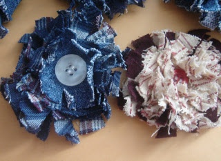 How to Make Fabric Flowers at Screaming Sardine