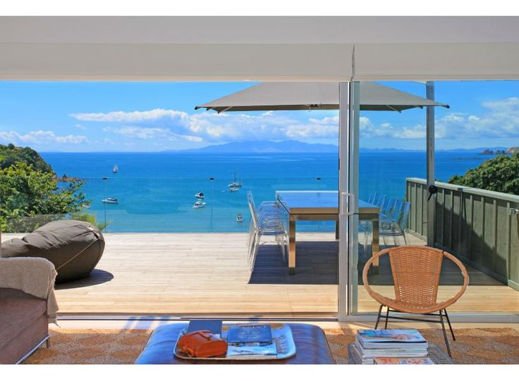 Waikare | Be My Guest Waiheke - fantastic holiday home with huge deck overlooking Oneroa Bay - central location - cafes & restaurants almost on your doorstep!