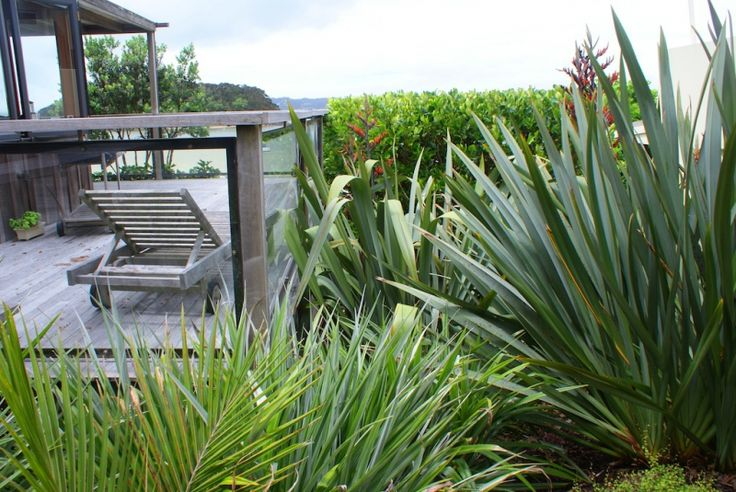 Second Nature - Sullivan Road Garden  Silver - Landscape Horticulture (Large Project) Silver - Garden Management (Large Project)
