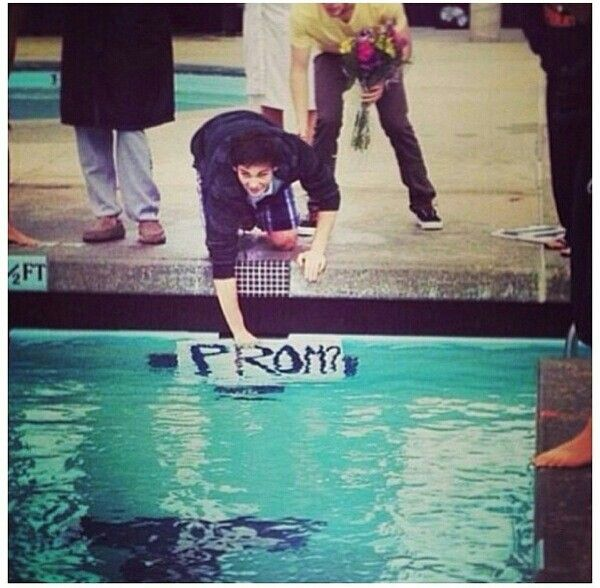 Asking a swimmer to prom:you're doing it right