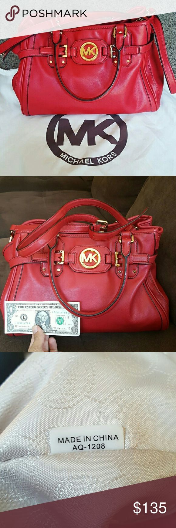 $3.99 Shipping. Authentic Michael Kors Bag Barely used. Excelent Condition. Michael Kors Bags