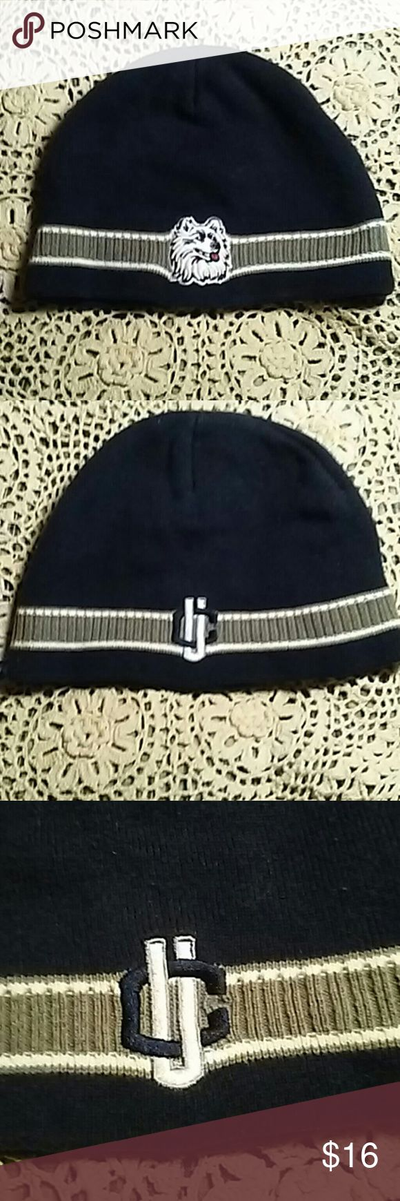 🏀UCONN HUSKIES BEANIE!!🏀 🏀UCONN HUSKIES BEANIE~ DARK BLUE~GRAY AND WHITE STRIPE AROUND EDGE WITH THE UCONN HUSKIE DOG LOGO ON THE FRONT AND THE LOGO FOR UCONN~( U C~) ON BACK. YOU CAN WEAR IT WITH EITHER LOGO IN FRONT!🏀🏀🏀🏀 UCONN HUSKIES Accessories Hats