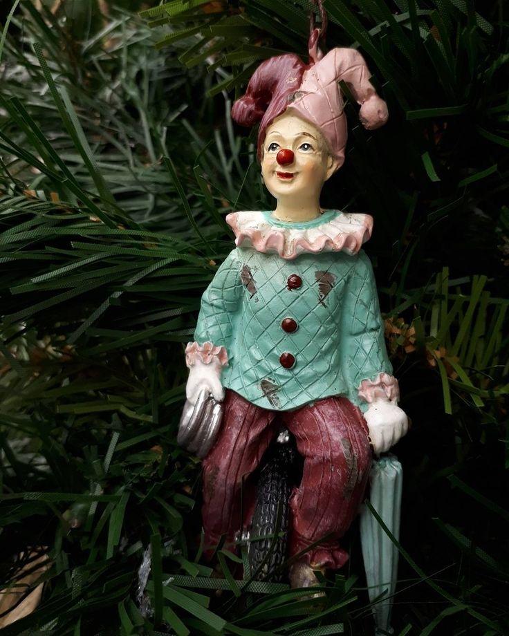 Решили какими игрушками будете украшать елку в этом году? В #Galleria_Arben есть всякие, даже винтажные ?) #фото @janestelmah #тонвыйгод