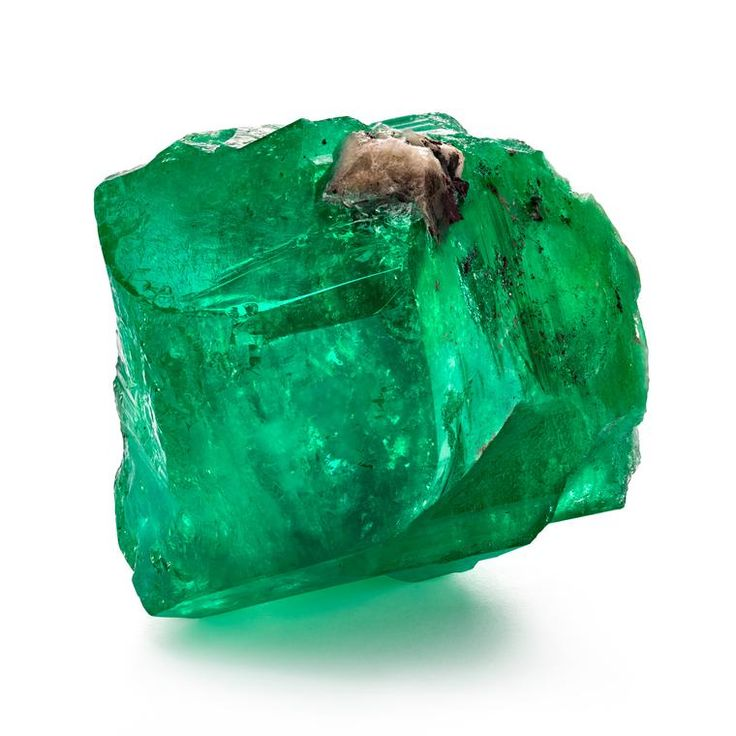 La Gloria, from the Marcial de Gomar Collection, is a huge 887-carat rough emerald from the Muzo mine in Colombia (estimate $4-5 million). For sale in the luxury Auction House Guernsey's in New York, in the emerald lot named the Marcial de Gomar Collection. Antiques steeped in history. Gemstones with a story. Multi-million dollars. http://www.thejewelleryeditor.com/whats-on/auctions/emerald-auction-new-york-marcial-de-gomar-collection/