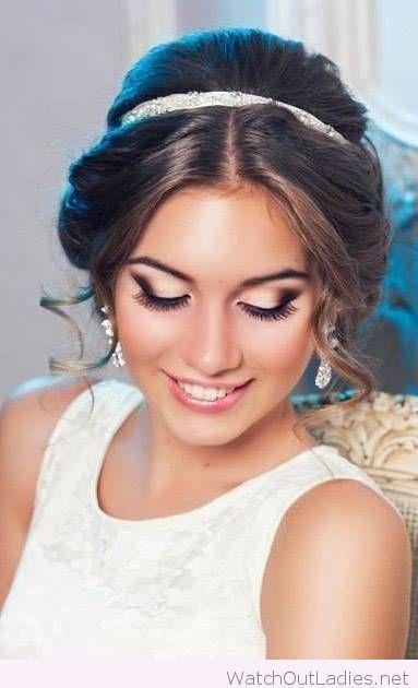 Wonderful bride updo with a headband