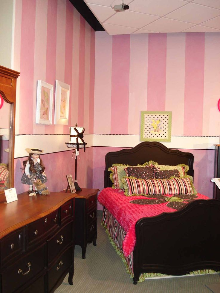 pink striped bedroom 17 best ideas about pink striped walls on 12883