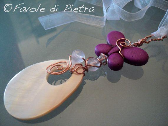 Butterfly AMulet. Amuleto in rame con madreperla di FavolediPietra, €23.00