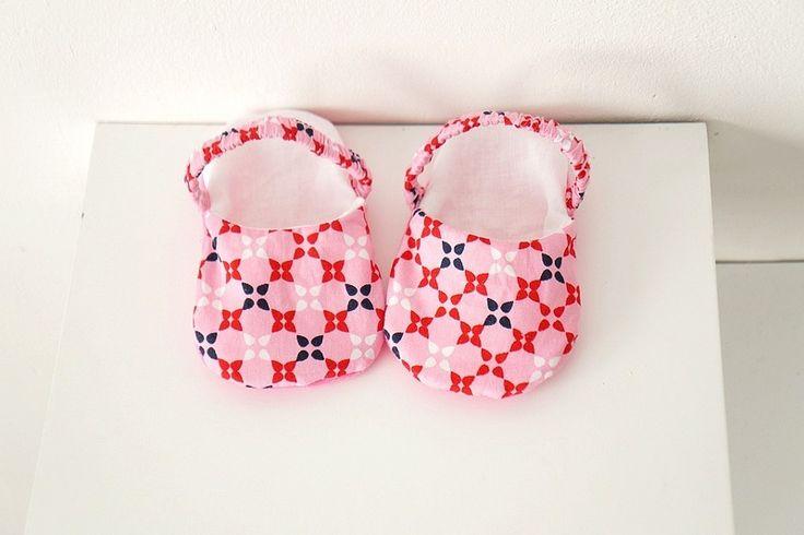 Chaussons sandales bébé fille rose fleuri graphique, 6-9 mois : Mode Bébé par hazaliwa
