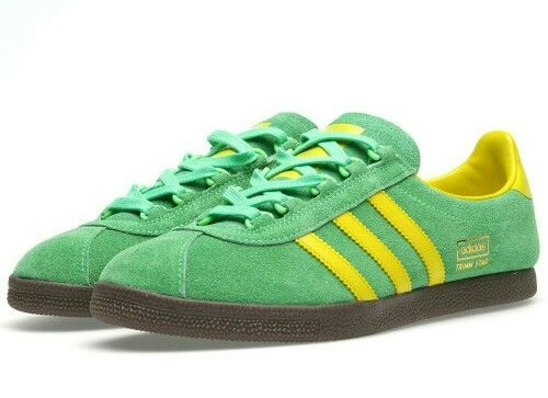 ADIDAS TRIMM STARS IN A SUPER COLOUR COMBO