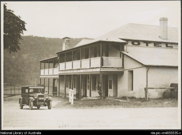 Hawkesbury Hotel, or Wisemans Inn Hotel, Wisemans Ferry, Hawkesbury River, NSW, ca. 1925