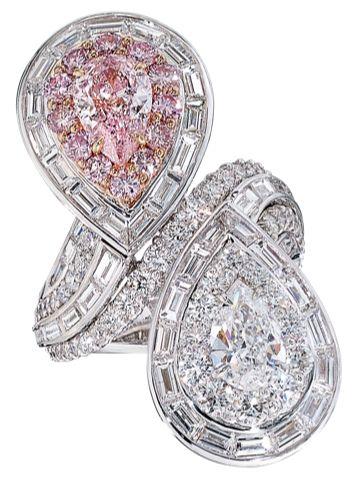 David Mor Diamond and Pink Diamond Pear Shaped Ring