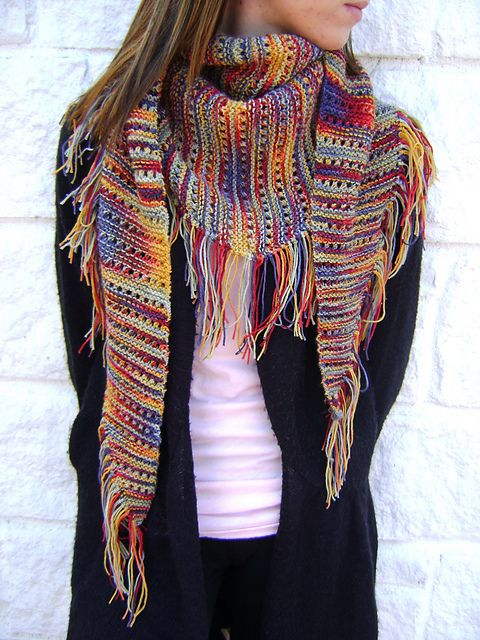 Ravelry: creativedesigns Karens Carnival - lacy baktus with fringe