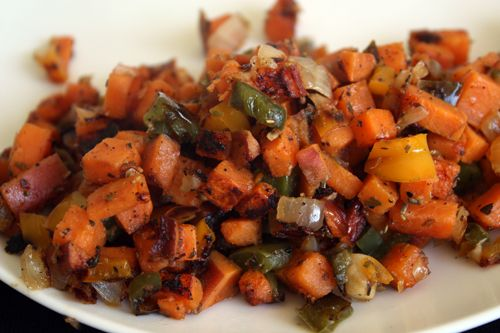 Sweet potato hash....getting prepped now.Healthy Sweet Potatoe, Sweets Potatoes Hash, Healthy Sweets Potatoes, Hash Brown, Potatoes Recipe, Roasted Garlic, Green Peppers, Coconut Oil, Sweet Potato Hash