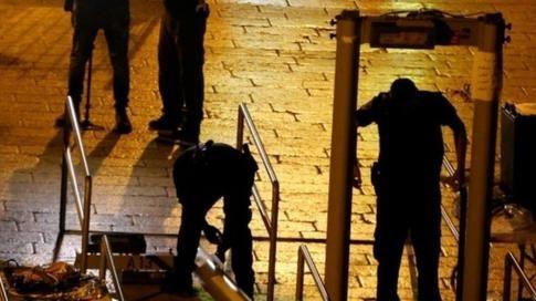 Israeli security forces removing the metal detectors, Jerusalem, 25 July 2017