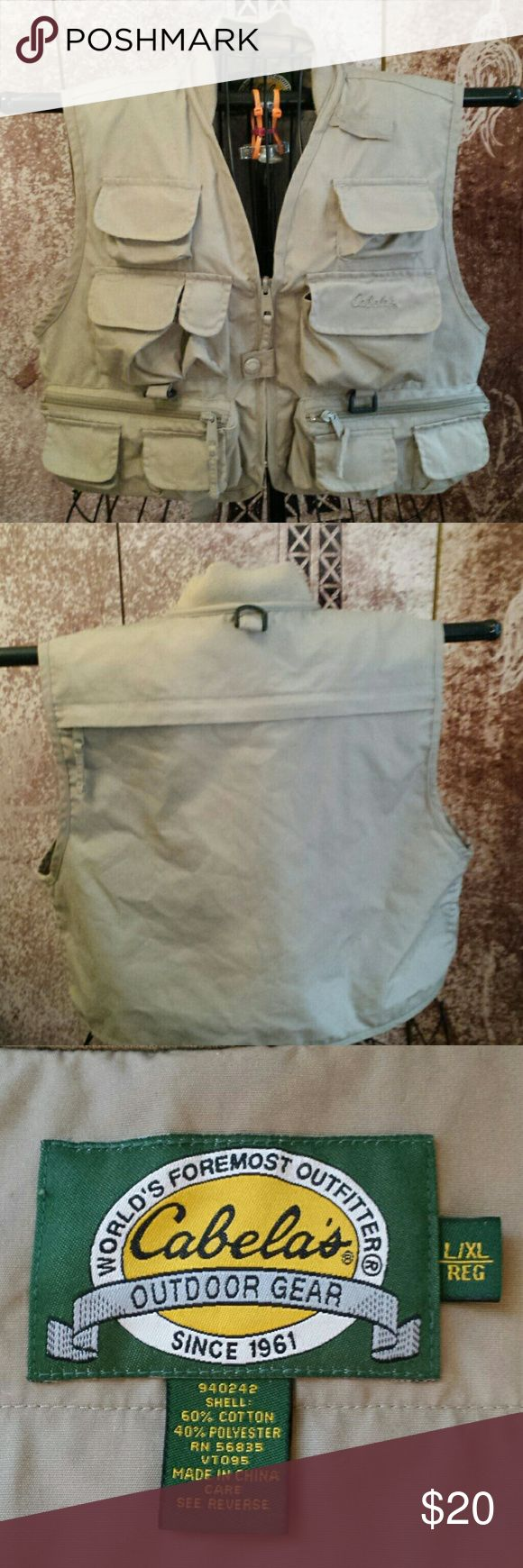 Cabela's boys fishing vest new condition Like new condition cabela's boys fishing vest. Everything your son or daughter may need can be held in this vest size youth large/extra large Cabela's Accessories Bags