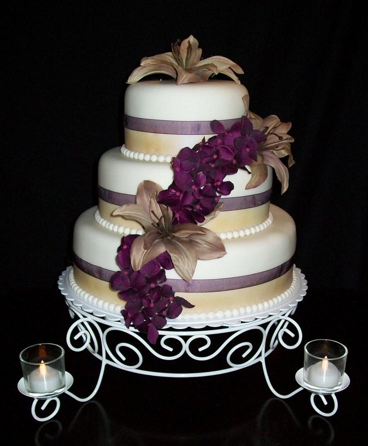 Plum & Champagne Wedding  cakeyouhappy.com
