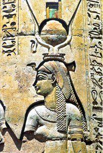 Cléopatre VII en Isis Hathor - Temple de Kom Ombo.