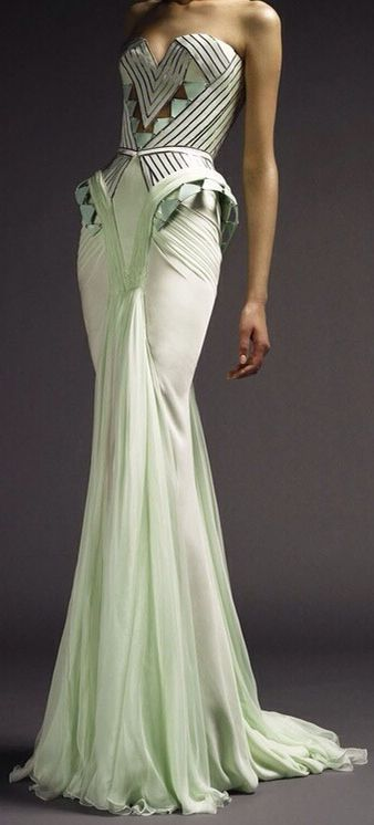 Still in love with this VERSACE Art Deco gown |= (THE GOWN BOUTIQUE)