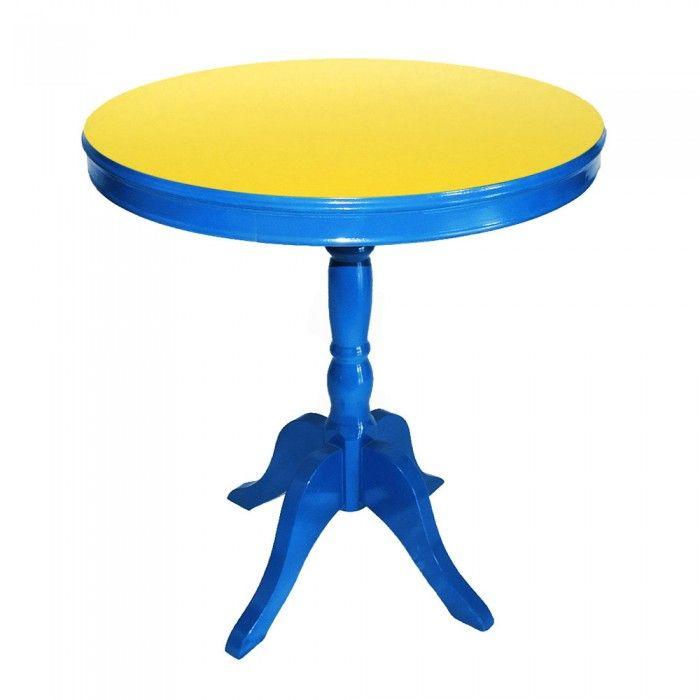 Mesa lateral redonda azul e amarela, Mesa lateral com acabamento em pintura automotiva azul e tampo em fórmica amarela. O contraste de cores primarias deixam a peça ultra-moderna.