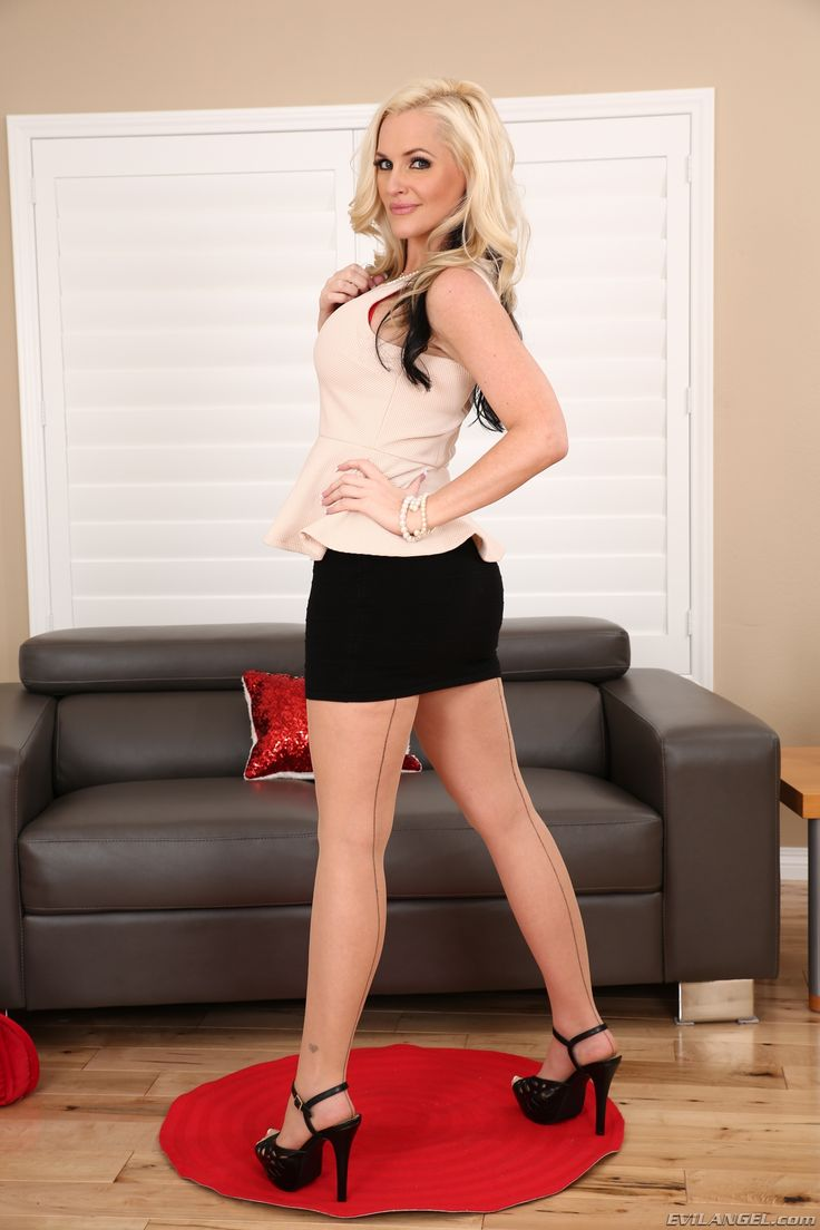 Alena Croft | Alena Croft aka AZBlonde | Leather Skirt ...
