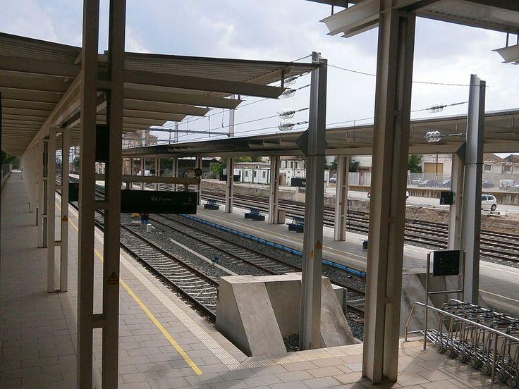Huesca dispone de una estación intermodal de tren y de autobuses interurbanos inaugurada en 2001. Es una estación de tipo pasante dentro de la línea Zaragoza-Canfranc. La estación cuenta con cuatro andenes y seis vías, dos destinadas a la Alta Velocidad y cuatro destinadas al tráfico regional sin electrificar. El edificio es de planta cuadrada, con el vestíbulo a nivel de calle. Sobre él se levantan dos torres de cuatro alturas que corresponden a un hotel y salones para banquetes.