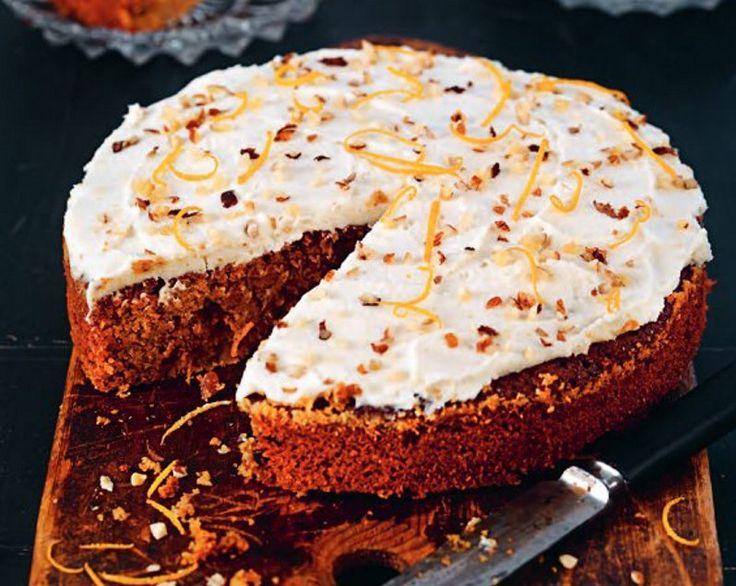 En lyxig och smakrik glutenfri morotskaka med nötter och naturlig sötning, som passar både som fikabröd och dessert. Kakan är dessutom väldigt dryg, en liten bit mättar länge.
