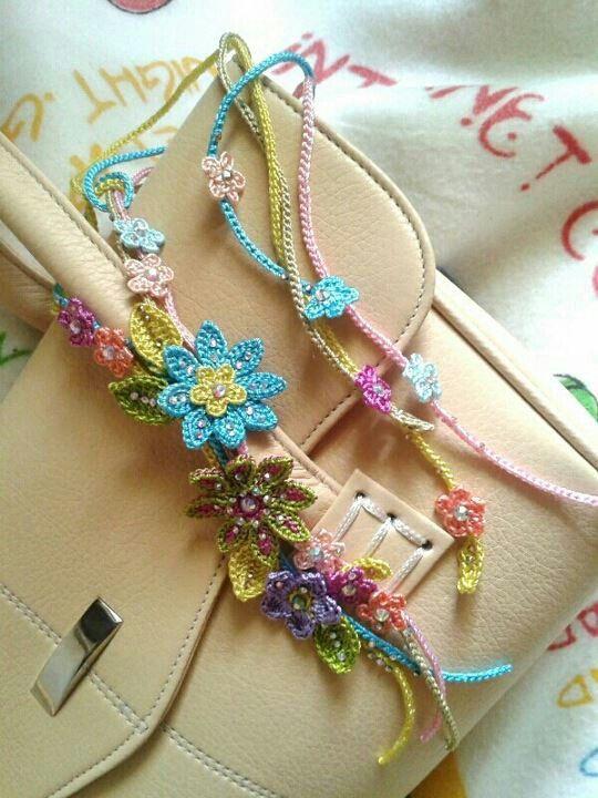 Handbag accessory.. floral tie..