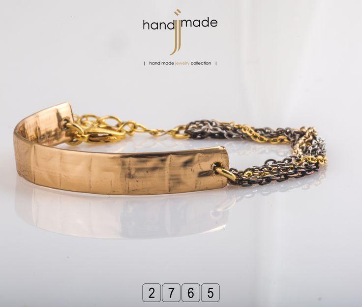 Γυναικείο βραχιόλι με χρυσή πλακέτακαι αλυσιδάκια. #handmade #jewelry #fashion