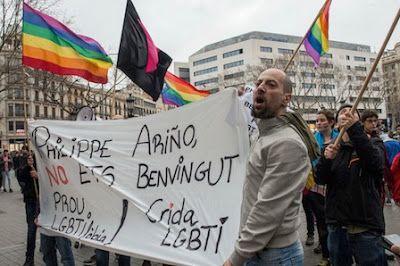 """El dispositivo policial de los Mossos por la charla del Arzobispado indigna al colectivo LGTBI.  El Observatorio Contra la Homofobia critica que """"proteger"""" un acto que atenta contra sus libertades es """"criminalizar"""" más al colectivo.  Yeray S. Iborra   El Diario, 2017-02-12 http://www.eldiario.es/catalunya/barcelona/dispositivo-Mossos-Arzobispado-colectivo-LGTBI_0_611739298.html"""