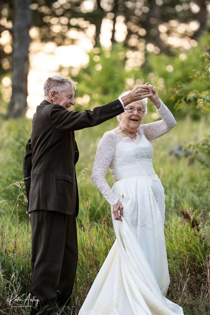 Couple Who's Been Married For 60 Years Celebrate Their