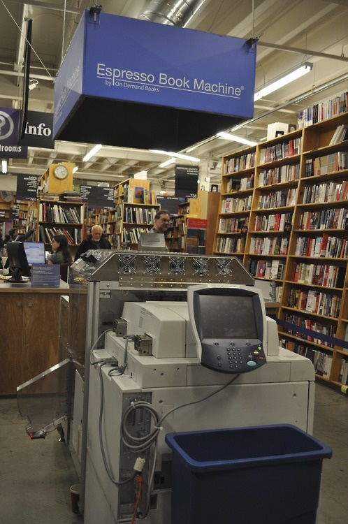 powells book store in portland or