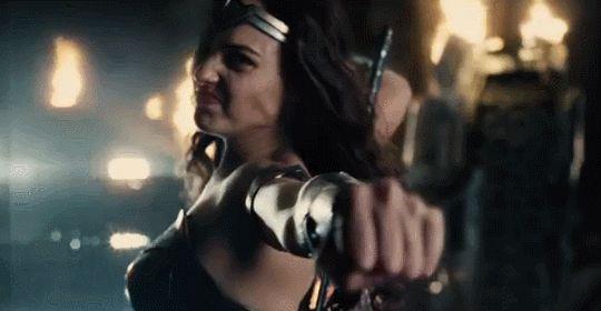 Im real when its useful: Warner Bros. presentó el 1 adelanto de la película de La Liga de la Justicia en San Diego Comic-Con 2016. Puedes ver el video del avance en este enlace. El filme se estrena en noviembre de 2017. [x]