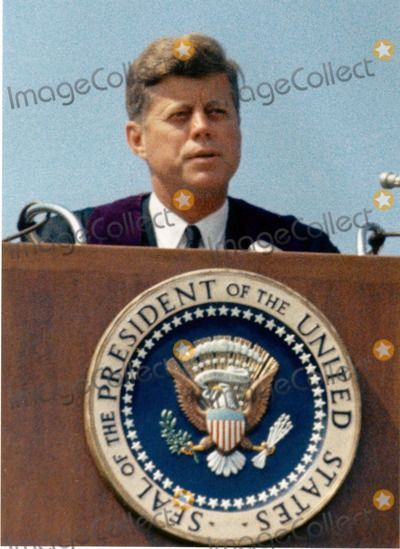 "1963. 10 Juin. By Arnie SACHS. President John F. Kennedy speaks at the American University commencement in Washington, D.C. This speech is known as Kennedy's ""Pax Americana"" speech, where he outlined his vision for world peace. Photo by Arnie Sachs/CNP-PHOTOlink.net"