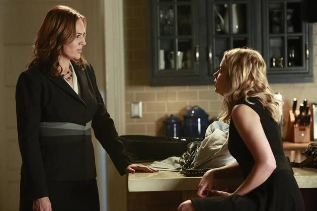 "Pretty Little Liars Spoiler Pics: Season 4, Episode 10 — ""The Mirror Has Three Faces"" (PHOTOS) http://sulia.com/channel/pretty-little-liars/f/59db3091-9a45-4c44-8e1d-6d2abc473497/?"