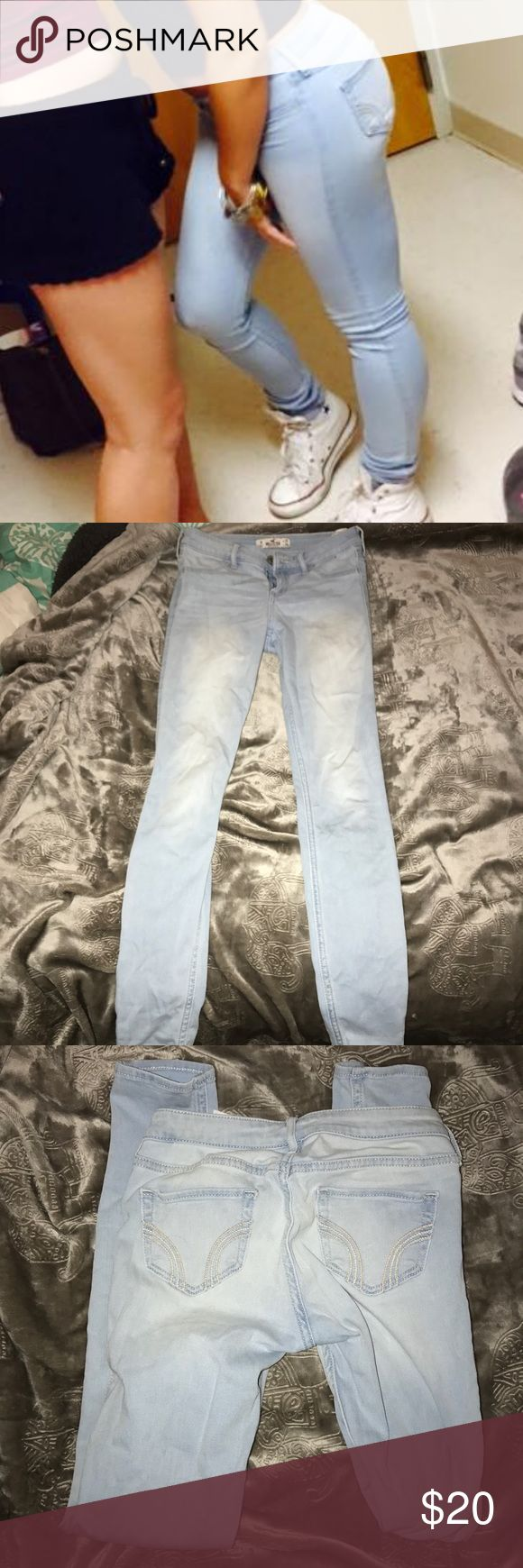 LIGHT WASH SKINNY JEANS Super cute light wash jeans from Abercrombie. These jeans are great and stretchy & comfortable. Worn many time but still in great condition. Highly recommend these jeans, work with anything! Abercrombie & Fitch Jeans Skinny