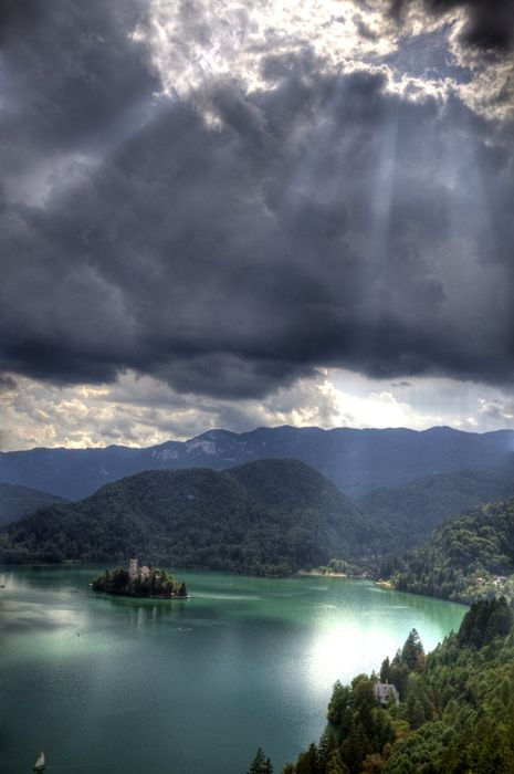lake Bled, Slovenia: 10 Amazing, Amazing Lakes, Slovenia, Beautiful Places, Cloud, Lakes Bled, Photo, Bled Islands, God Lights