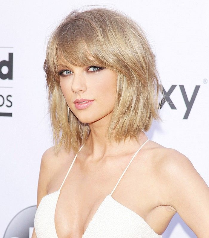 Taylor Swift's choppy bob and soft brown smoky eyes