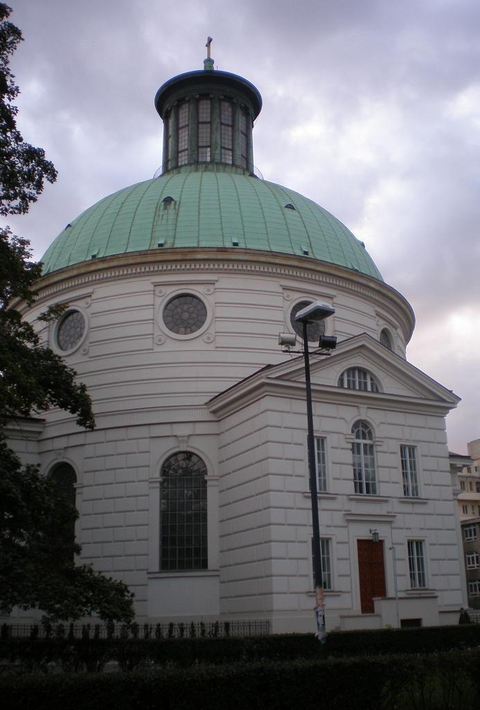 Szymon Bogumił Zug, Zbór ewangelicko-augsburski w Warszawie; klasycyzm; wzorem Panteon rzymski