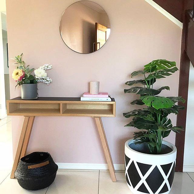 Entrance ideas // Hallway // Console // Blush Pink wall // Scandi // My home