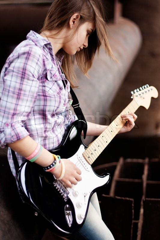 cool and stylish profile pictures for facebook for girls with guitar 2016 2017 fashion trends. Black Bedroom Furniture Sets. Home Design Ideas