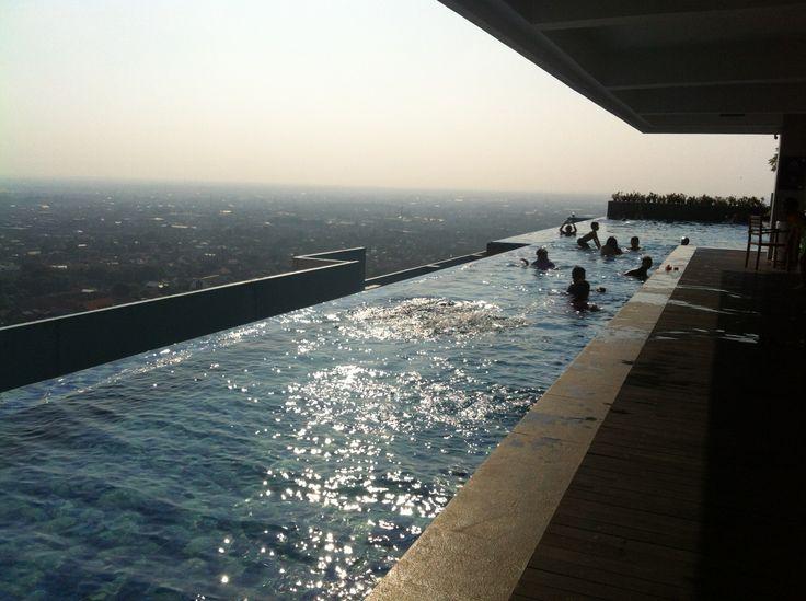 SKY Pool, BEST WESTERN Star Hotel Semarang di Semarang, Jawa Tengah