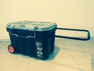 Ящик пластиковый для хранения инструментов на колесах - Инструменты и строительное оборудование во Владивостоке