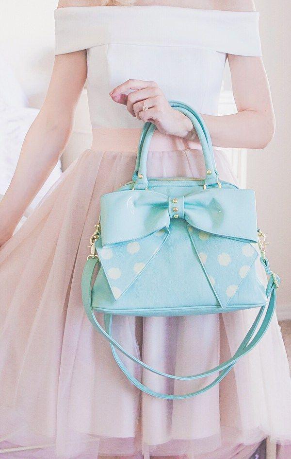 Du liebst stylische und elegante Handtaschen? nybb.de – Der Nr. 1 Online-Shop für Damen Accessoires! Bei uns gibt es preiswerte und elegante Accessoires. Wir wissen was Frau braucht! #mode #fashion #tasche #taschen #handtaschen – nybb.de