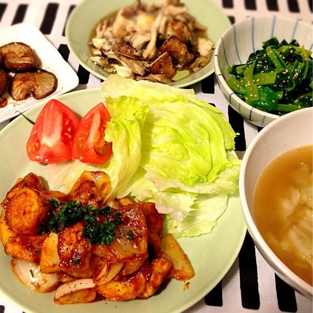 豚ロース肉で トンカツには少ないなーと思ってたところにレシピ発見!! ジャガイモでボリュームアップ(。-∀-) ニヒ 美味しかったぁ(*´∀`*) - 39件のもぐもぐ - 豚肉とじゃがいものバーベキュー炒めキノコのチーズ焼き小松菜の塩ナムルキャベツの中華スープ by mocha511